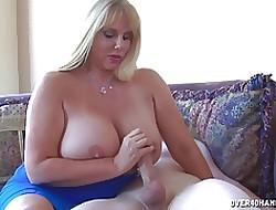 enormes tetas naturales - mamada grande titty