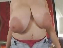 grote tieten en tepels - pornofree xxx