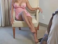 Peitos grandes em meia-calça - peito grande natural