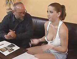 Geschoren kutje grote tieten - gratis tiener porno video's
